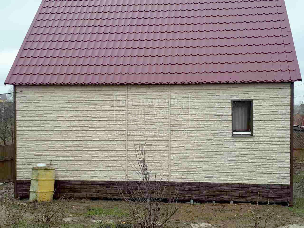 Фото домов обшитых сайдингом двух цветов
